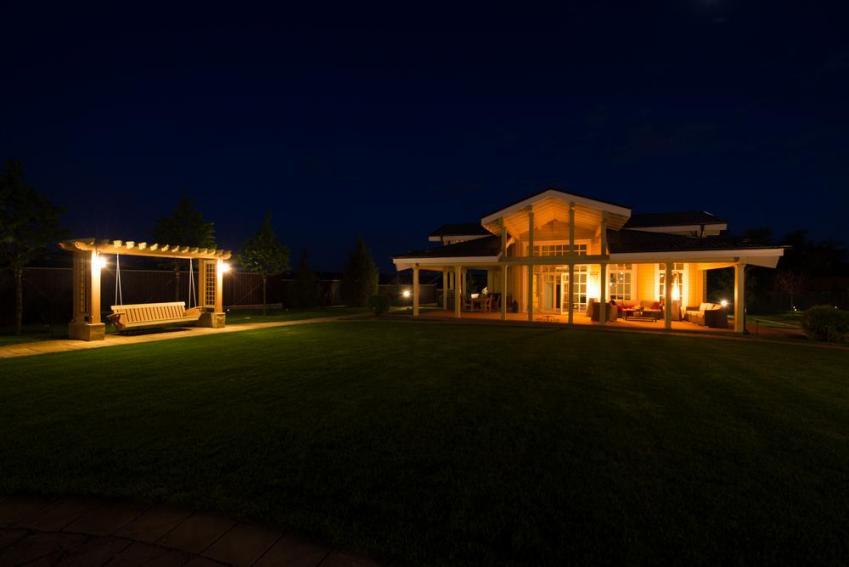 Терраса с вечерним светом